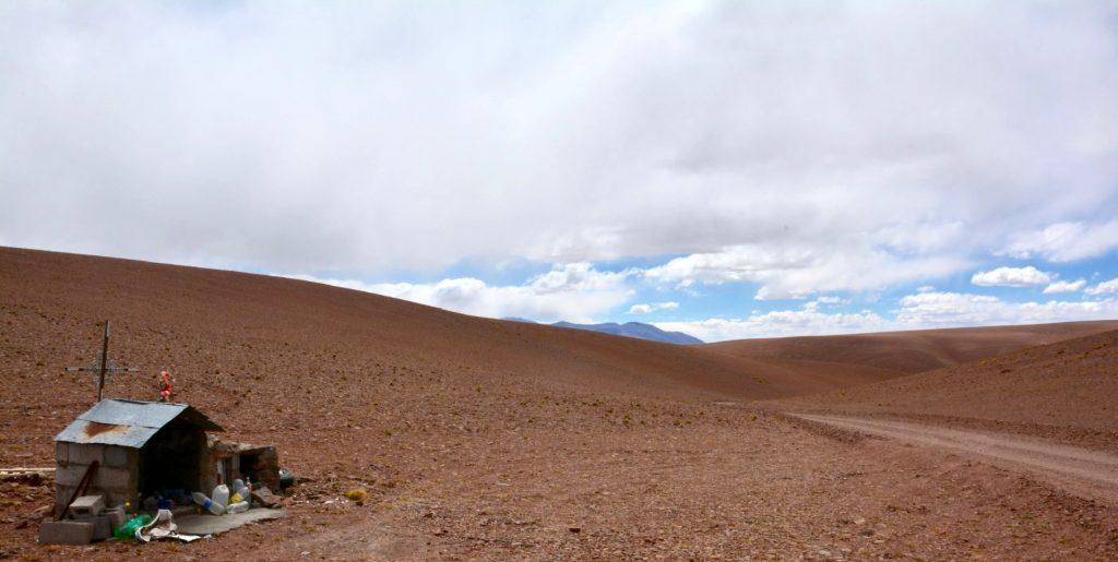 Offrandes à la Pachamama, altitude 4040m, Province de Catamarca, Argentine