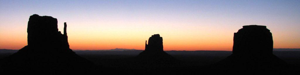 West Mitten, Est Mitten et Merrick Buttes,Monument Valley, Utah, Etats Unis
