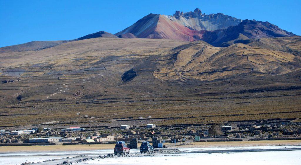 Volcan Tunupa 5990m et village de Coquesa, Province du nord Lipez, Bolivie